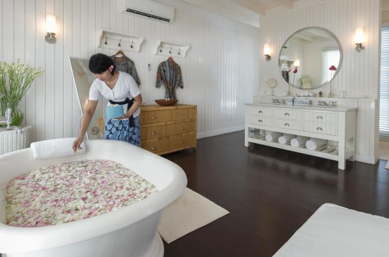 Romantic Bathtub Set Up - Villa Lulito - Seminyak, Bali