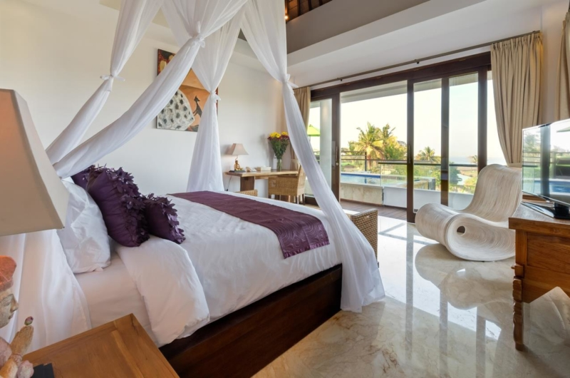 Bedroom with Seating Area - Villa Luwih - Canggu, Bali