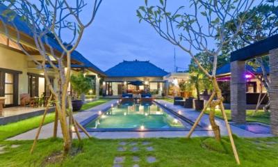 Swimming Pool - Villa Mahkota - Seminyak, Bali