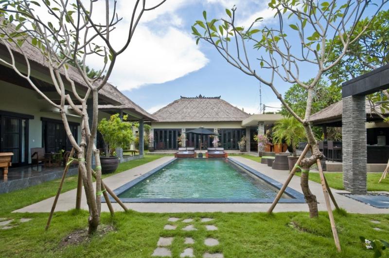 Gardens and Pool - Villa Mahkota - Seminyak, Bali
