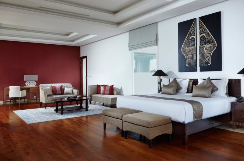 Spacious Bedroom with Sofa - Villa Malaathina - Umalas, Bali