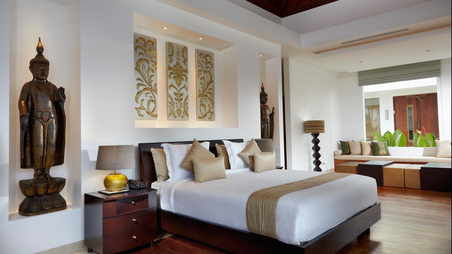 Bedroom with Seating Area - Villa Malaathina - Umalas, Bali