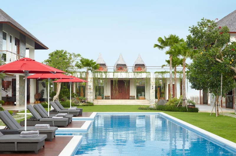 Reclining Sun Loungers - Villa Malaathina - Umalas, Bali