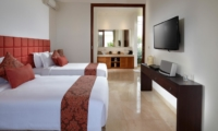 Twin Bedroom with TV - Villa Malaathina - Umalas, Bali