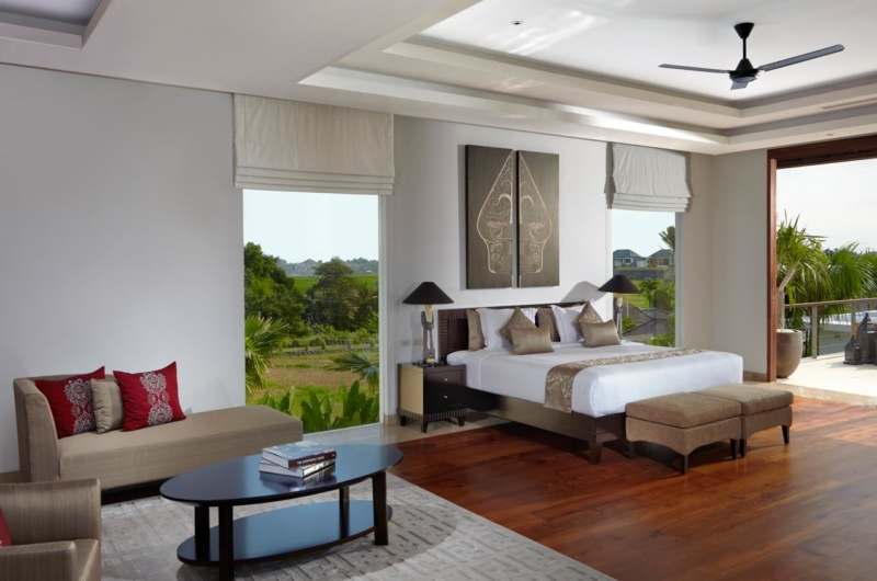 Bedroom and Balcony - Villa Malaathina - Umalas, Bali