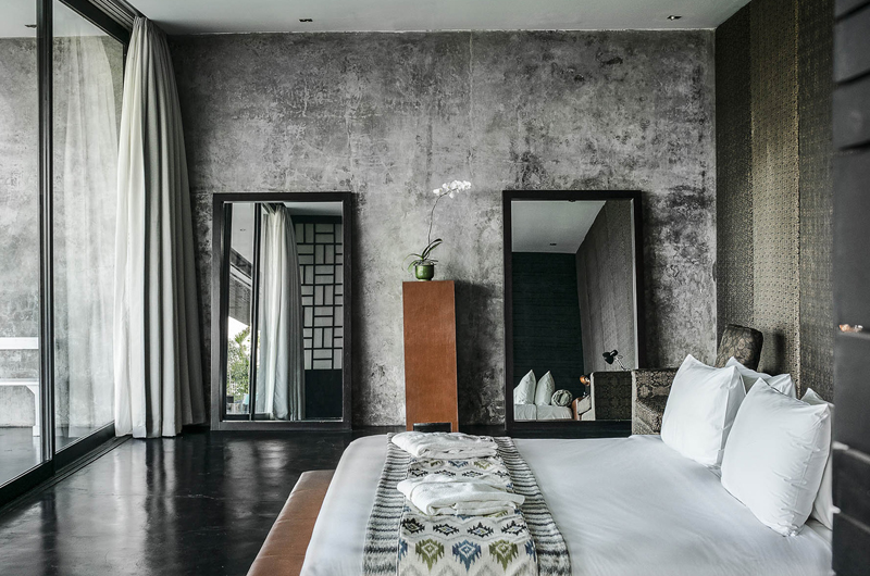 Bedroom with Mirror - Villa Mana - Canggu, Bali