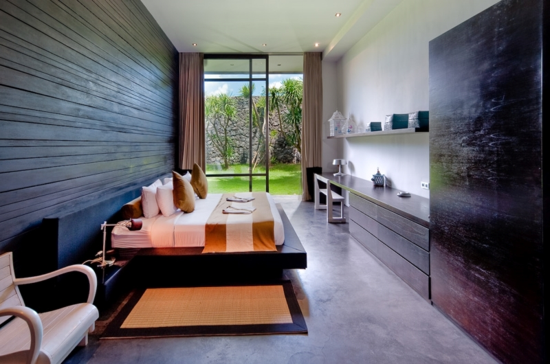 Bedroom with Seating Area - Villa Mana - Canggu, Bali