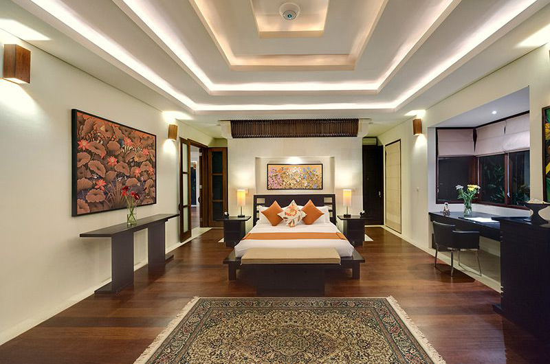 Bedroom with Wooden Floor - Villa Mandalay - Seseh, Bali