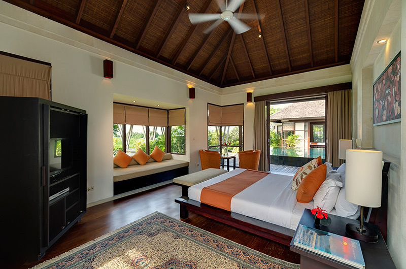 Bedroom with Sofa - Villa Mandalay - Seseh, Bali