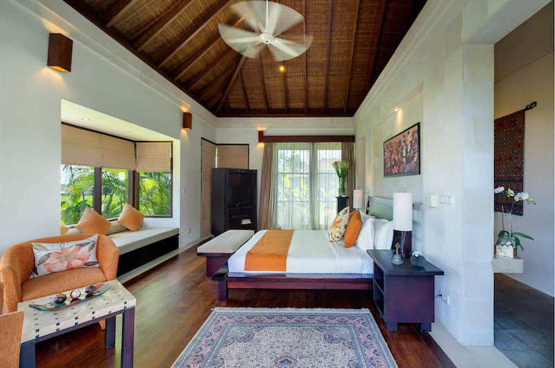 Bedroom with Seating Area - Villa Mandalay - Seseh, Bali