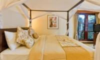 Four Poster Bed with TV - Villa Mango - Seminyak, Bali