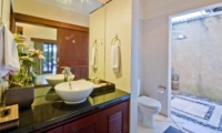 En-Suite Bathroom - Villa Mango - Seminyak, Bali