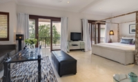 Bedroom with Seating Area - Villa Manis - Pererenan, Bali