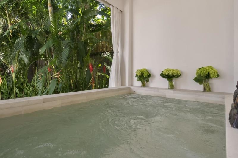 Jacuzzi - Villa Manis - Pererenan, Bali