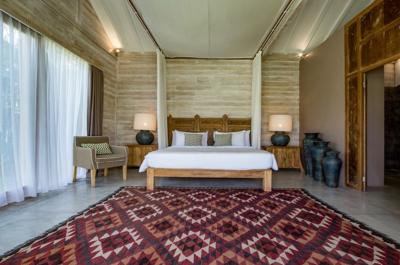 Spacious Bedroom - Villa Mannao - Kerobokan, Bali
