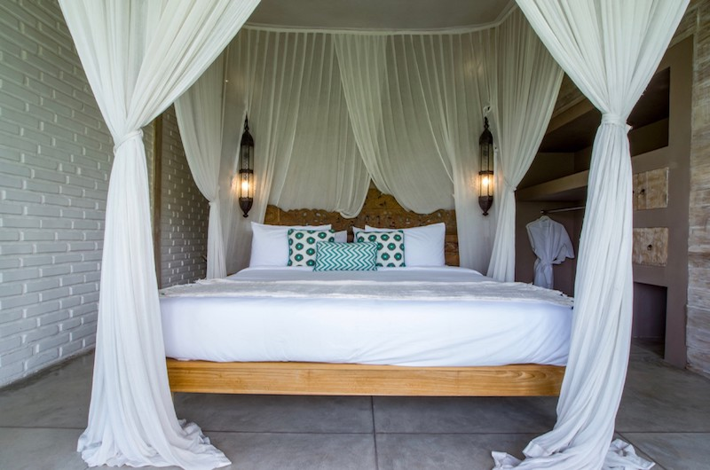 Four Poster Bed - Villa Mannao - Kerobokan, Bali