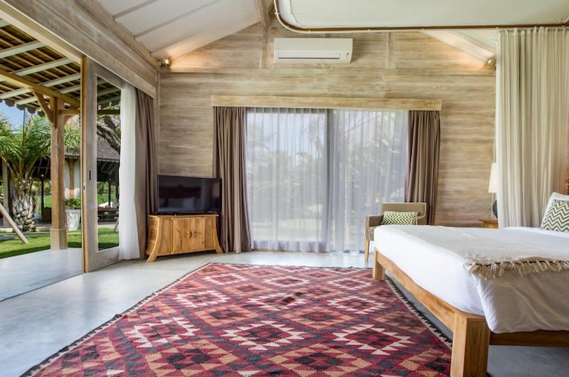Bedroom with Garden View - Villa Mannao Estate - Kerobokan, Bali