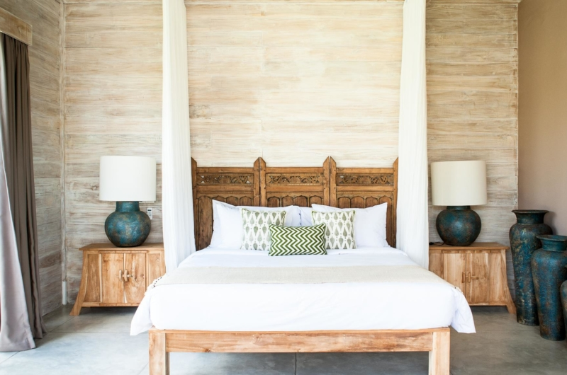 Bedroom with Table Lamps - Villa Mannao Estate - Kerobokan, Bali