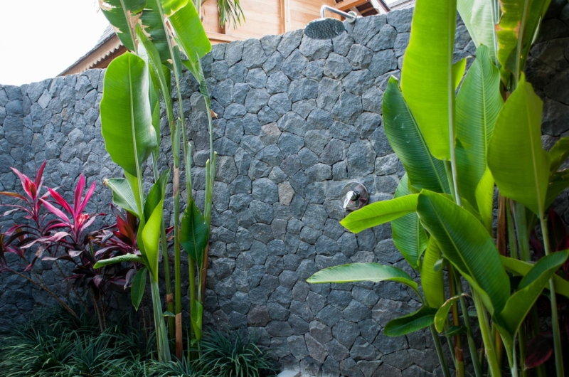 Outdoor Shower - Villa Mannao - Kerobokan, Bali