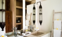 Bathroom with Lamps and Mirror - Villa Mannao - Kerobokan, Bali