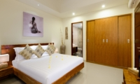 Bedroom with En-Suite Bathroom - Villa Maria - Legian, Bali