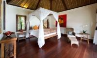 Bedroom with Seating Area - Villa Maridadi - Seseh, Bali
