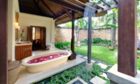 Bathroom with Romantic Bathtub Set Up - Villa Maridadi - Seseh, Bali