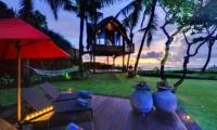 Sun Beds - Villa Maridadi - Seseh, Bali