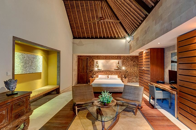 Bedroom with Seating Area - Villa Massilia - Seminyak, Bali