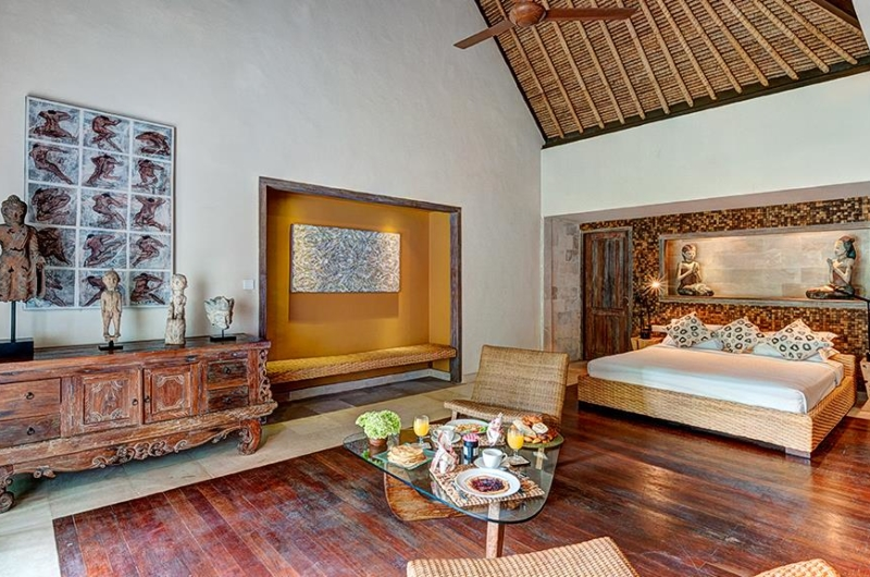 Bedroom with Wooden Floor - Villa Massilia - Seminyak, Bali