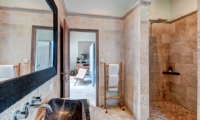Bathroom with Shower - Villa Massilia - Seminyak, Bali