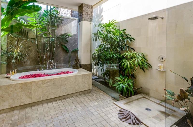 Romantic Bathtub Set Up - Villa Menari Residence - Seminyak, Bali