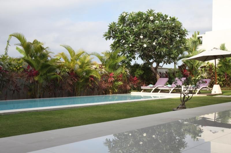 Pool Side - Villa Merayu - Canggu, Bali