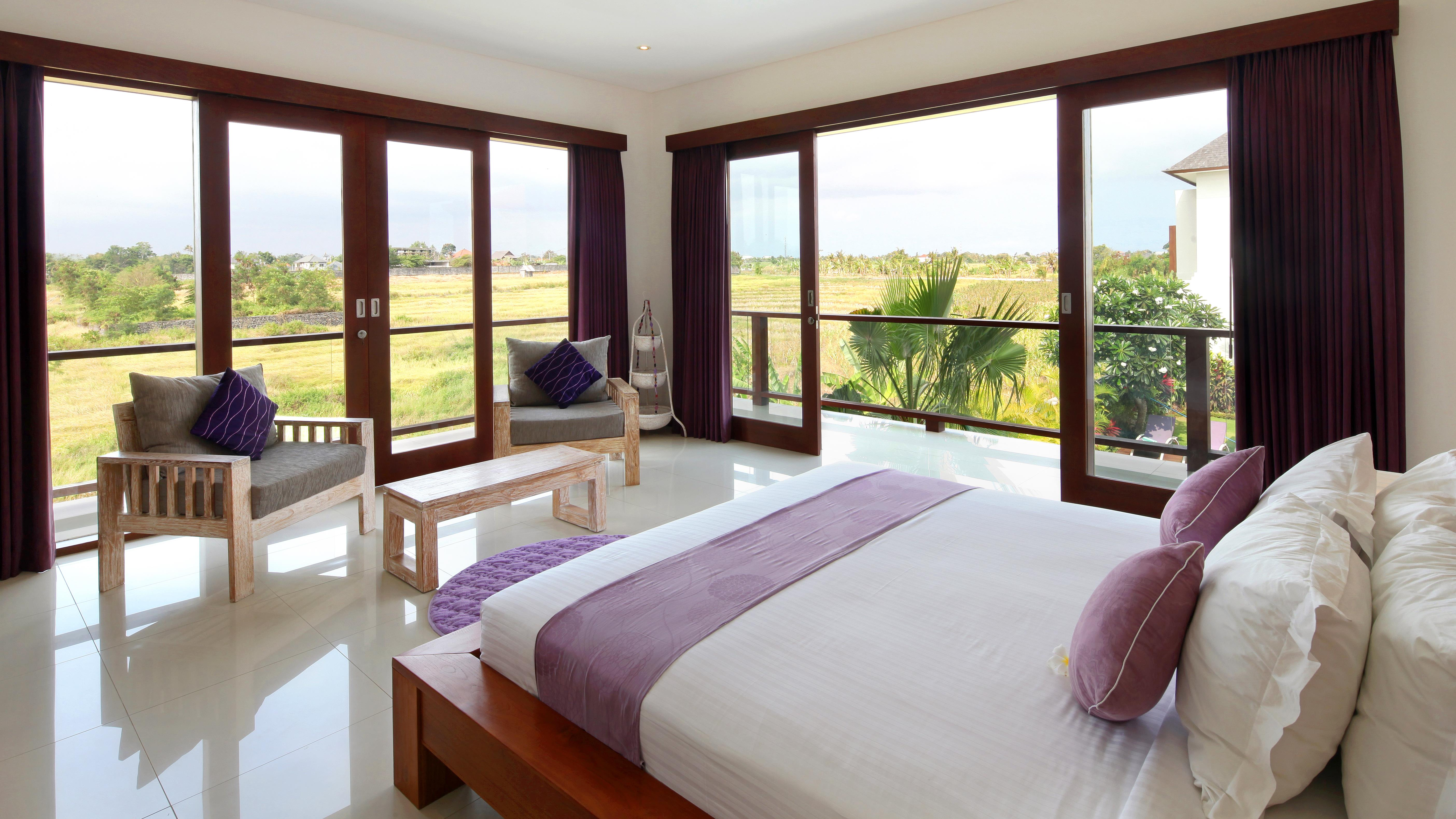 Bedroom with Seating Area - Villa Merayu - Canggu, Bali