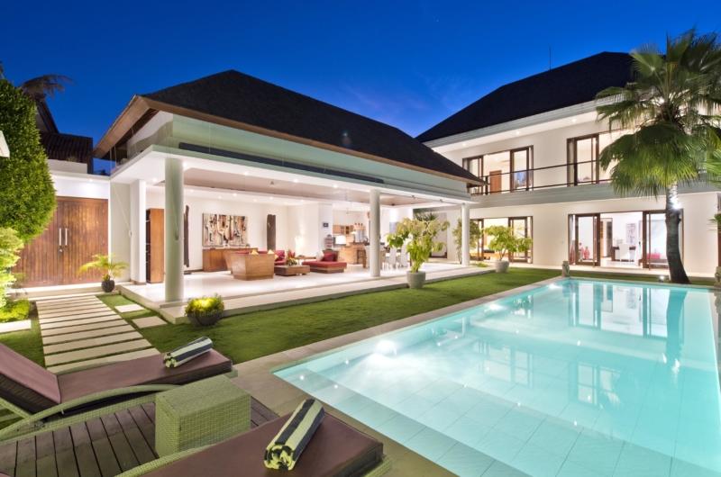 Sun Beds - Villa Merayu - Canggu, Bali