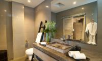 Bathroom with Mirror - Villa Mia - Canggu, Bali