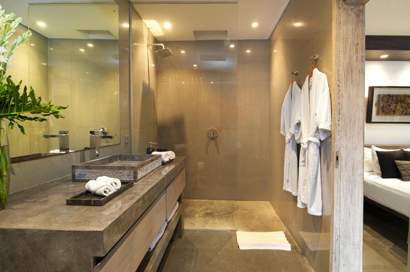 Bathroom with Shower - Villa Mia - Canggu, Bali