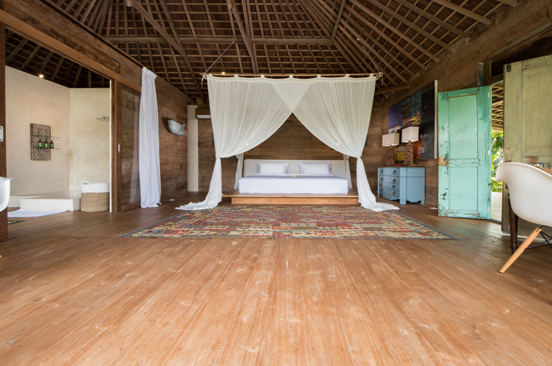 Spacious Bedroom - Villa Nag Shampa - Ubud Payangan, Bali