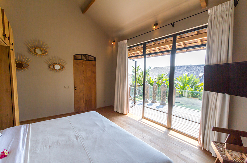 Bedroom and Balcony - Villa Nehal - Umalas, Bali