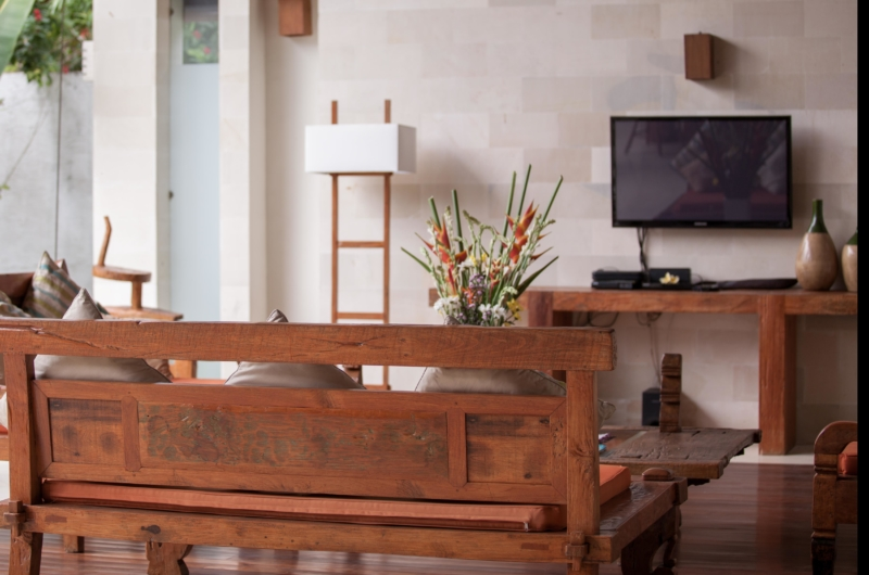 Lounge Area with TV - Villa Nelayan - Canggu, Bali