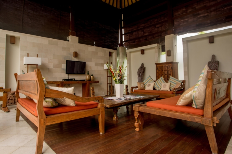 Living Area with TV - Villa Nelayan - Canggu, Bali