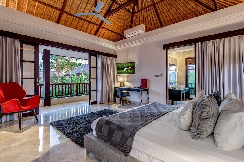 Bedroom with Seating Area - Villa Nilaya Residence - Seminyak, Bali