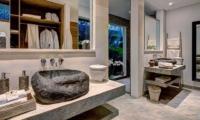 Bathroom with Mirror - Villa Nyoman - Seminyak, Bali