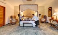 Bedroom with Staff - Villa Nyoman - Seminyak, Bali