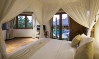 Bedroom with Pool View - Villa Omah Padi - Ubud, Bali