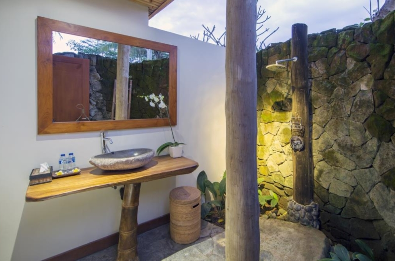 Semi Open Bathroom with Mirror - Villa Omah Padi - Ubud, Bali