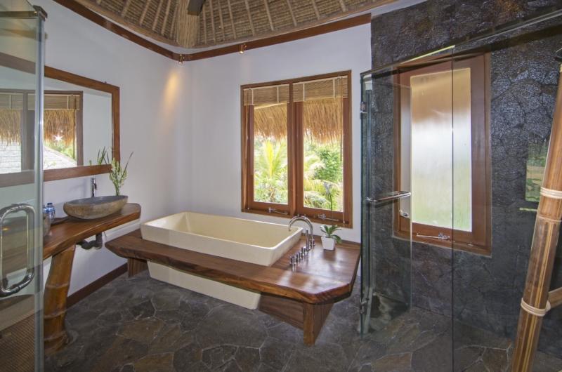 En-Suite His and Hers Bathroom - Villa Omah Padi - Ubud, Bali