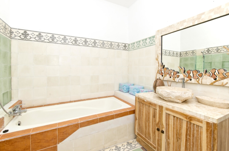 Bathroom with Bathtub - Villa Orchid Sanur - Sanur, Bali