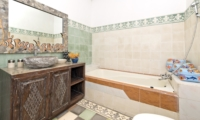 Bathroom with Mirror - Villa Orchid Sanur - Sanur, Bali