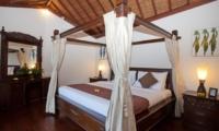 Bedroom with Four Poster Bed - Villa Origami - Seminyak, Bali